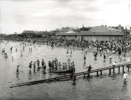St. Kilda Beach looking towards changing sheds from Brookes Jetty, c.1926