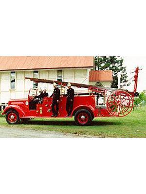 Model 75 Mack Pump/Escape Fire Engine