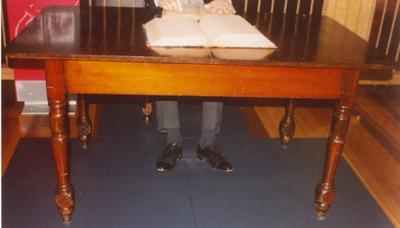 Lucinda Table