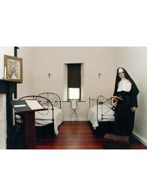 Woods MacKillop Schoolhouse - bedrooms