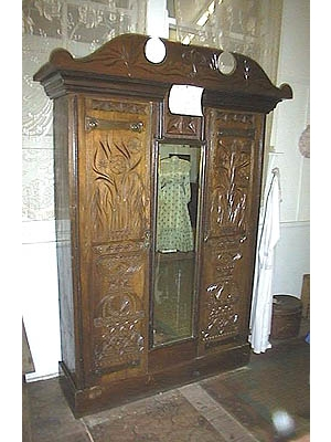 Carved Draws - Wardrobe