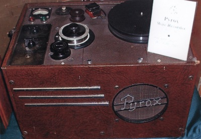 Magnetic wire recorder
