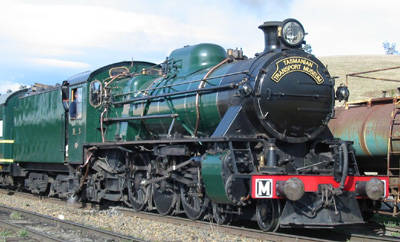 Two cylinder steam locomotive - TGR No. M5