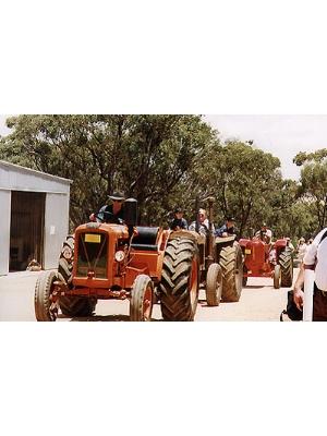 Chamberlain GG Tractor
