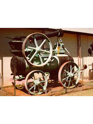 Portable engine for pumping water
