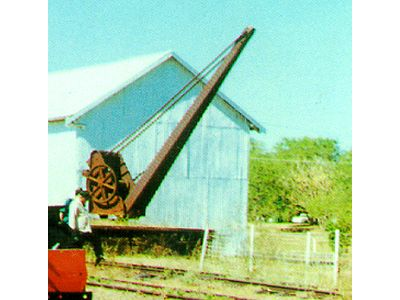 Railway Crane used in Pine Creek until the railway closed in 1976