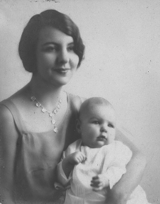 Adeline Thompson with daughter Mary 1930
