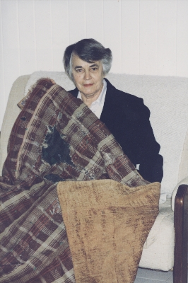 Muriel Mackenzie with the quilt