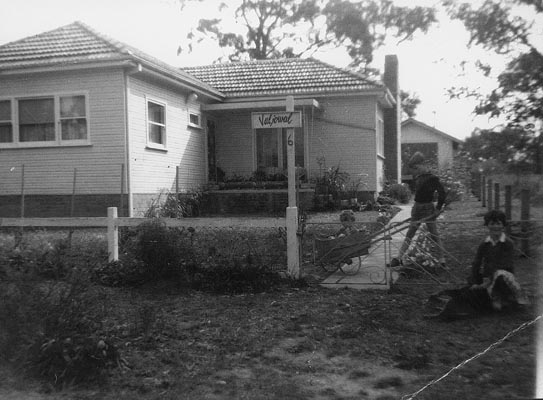 House in which quilt was made.<br />4 Lagoon Drive (previously Mark Street) Glenbrook NSW