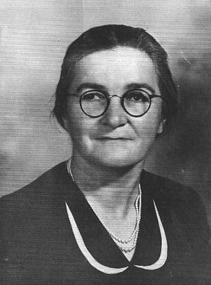 The quilt maker, Mrs. Tonie Nickolai