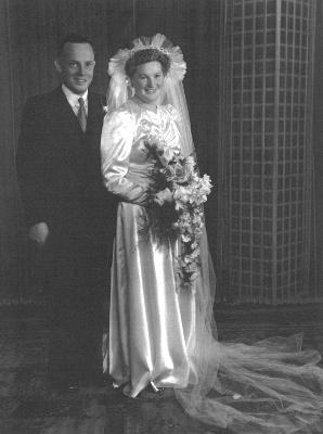 Bessie and Ian Hamilton Gray, 1946