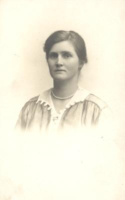 Neta le Cerf c.1930