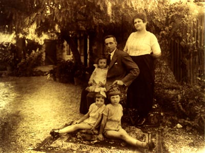 Aikaterini and Frank Pholero with Evelyn, Mildred and Cecil. Smyrna c.1920