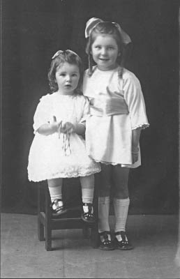 Nancy (left) and Enid 1925