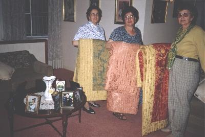 3 sisters, Anastasia Penklis, Christine Kyprios, Ann Kyranis, 2000